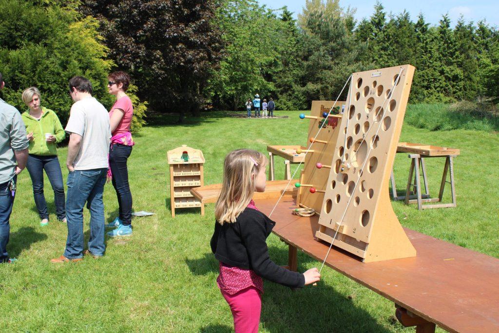 anniversaire-en-exterieur-avec-les-jeux-en-bois