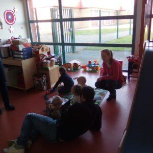 Un moment en famille à Halte garderie de Gondecourt